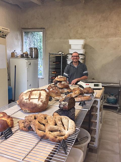 Jullian et le pain de la Ferme de la Roche Bleue