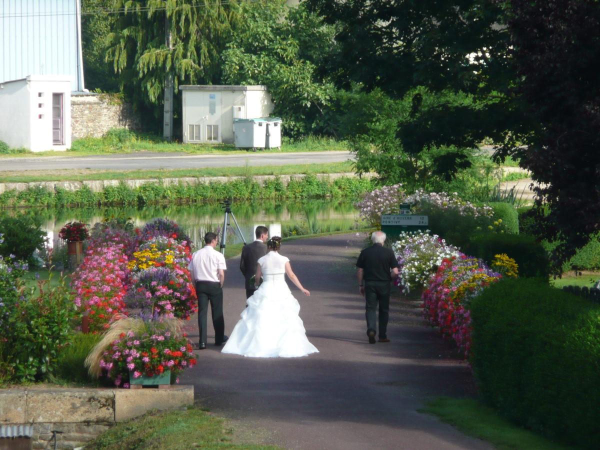 Mariage: Préparatif photo à l'écluse