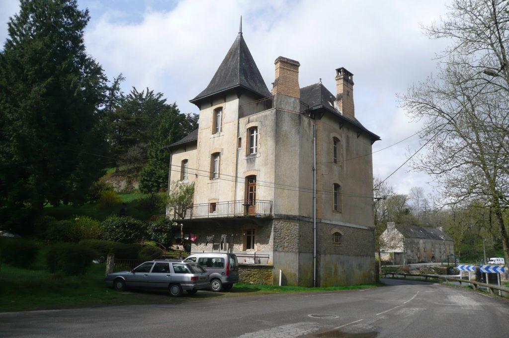 Villa Tranquillité, parking à l'arrière