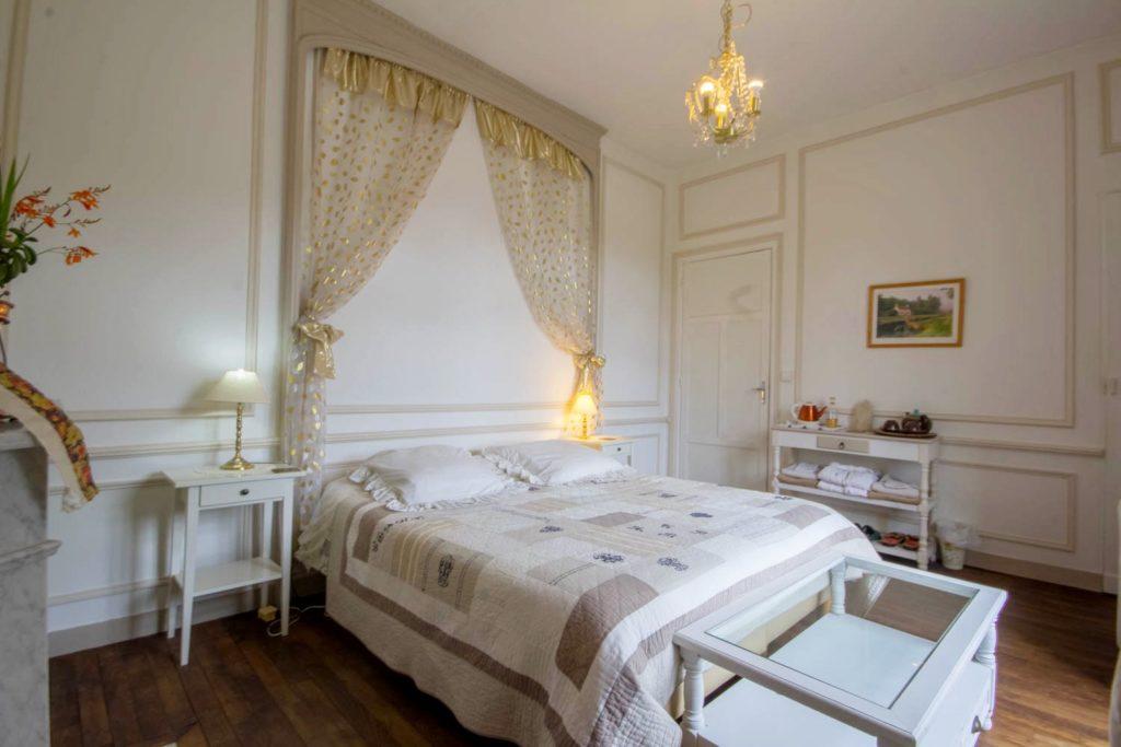 Chambre d'hôte La Comtesse, balcon, vue sur l'écluse et le canal de Nantes à Brest: Villa tranquillité
