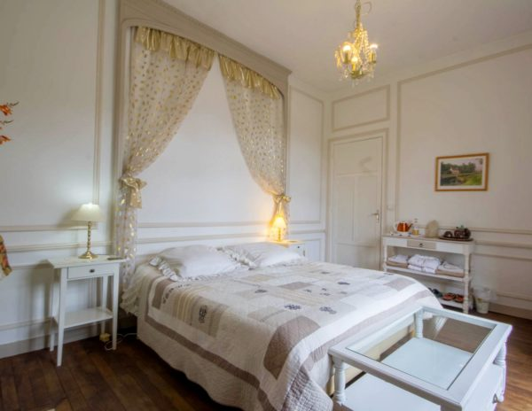 Chambre d'hôte La Comtesse, balcon, vue sur l'écluse et le canal de Nantes à Brest : Villa tranquillité