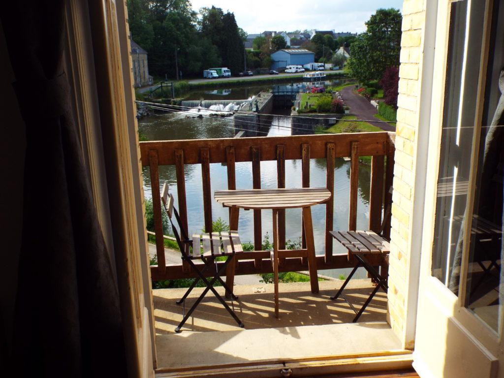Chambre La Roche Brune, vue canal