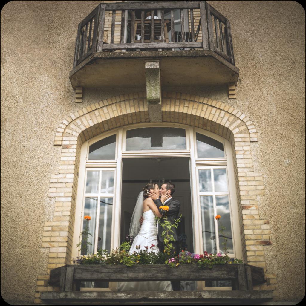 Rohan dispose d'une salle équipée et nous accueillons souvent des mariages. J'accueille souvent les mariés. Voici Marie-Jeanne & Antoine