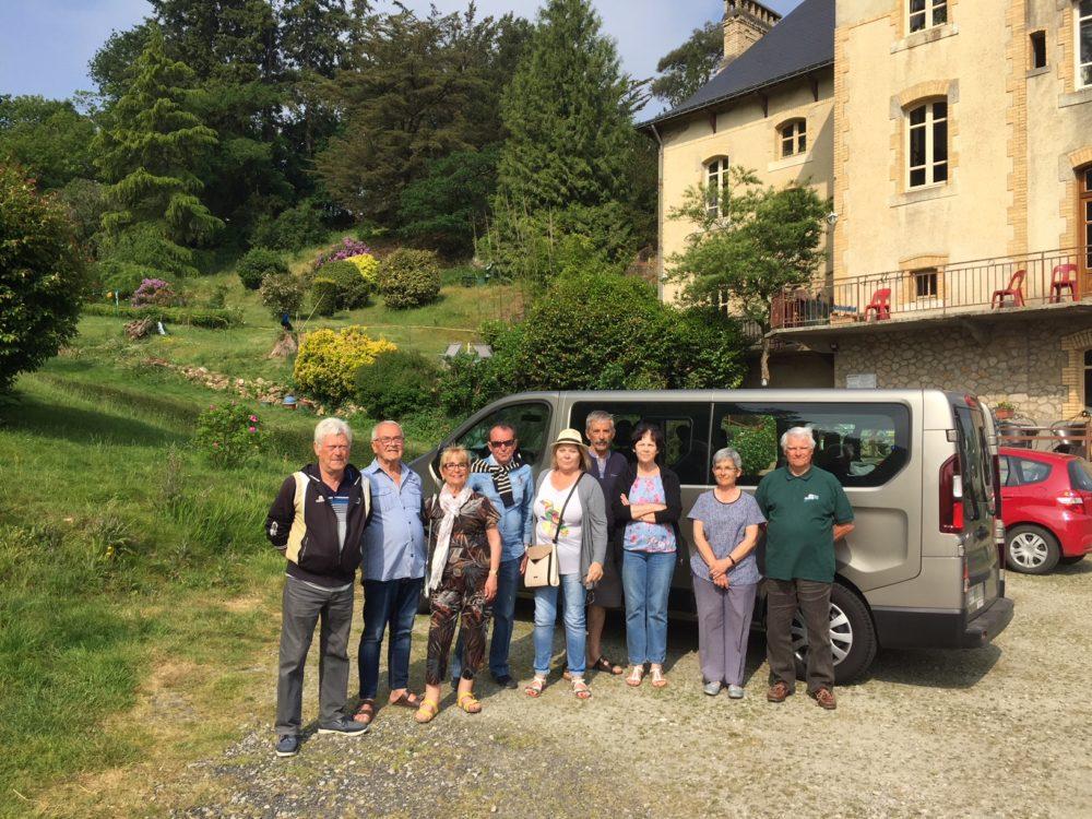 Les provençaux en J'ai accueilli un groupe de provinçaux pendant 10 jours. Ils ont sillonés les routes de Bretagne. Villa Tranquillité à Rohan 56580