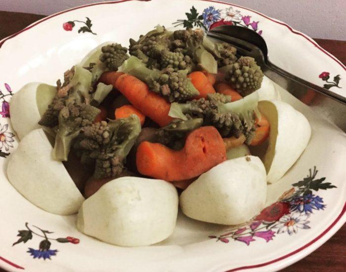 Légumes vapeur et toastinade. Table d'hôte de la Villa Tranquillité, Rohan 56