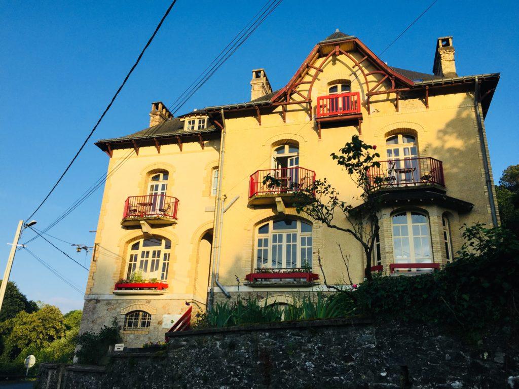 Villa Tranquillité, façade innondée du soleil couchant