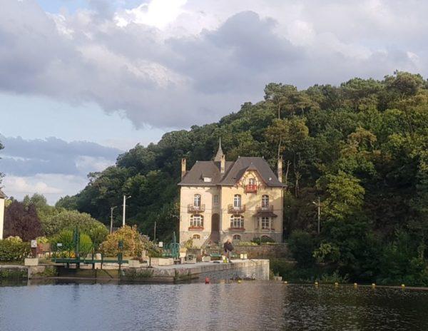 Villa Tranquillité, Rohan sur le canal de Nantes à Brest