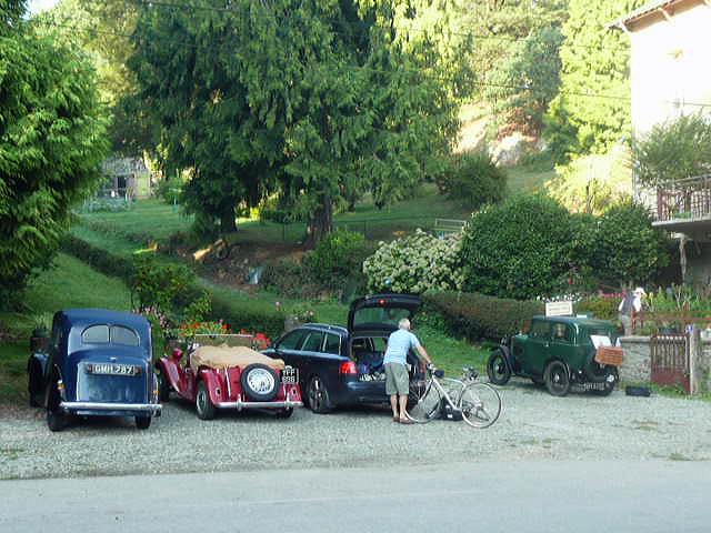 Parking et voitures anciennes