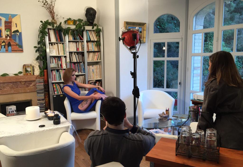 Séance de shooting avec un mannequin à la Villa Tranquillité