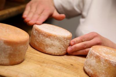 A la La Ferme du Lintan, il y a de bons fromages. Ici, le Fondant d'Lintan. Que vous trouverez à la table d'hôte de la Villa tranquillité